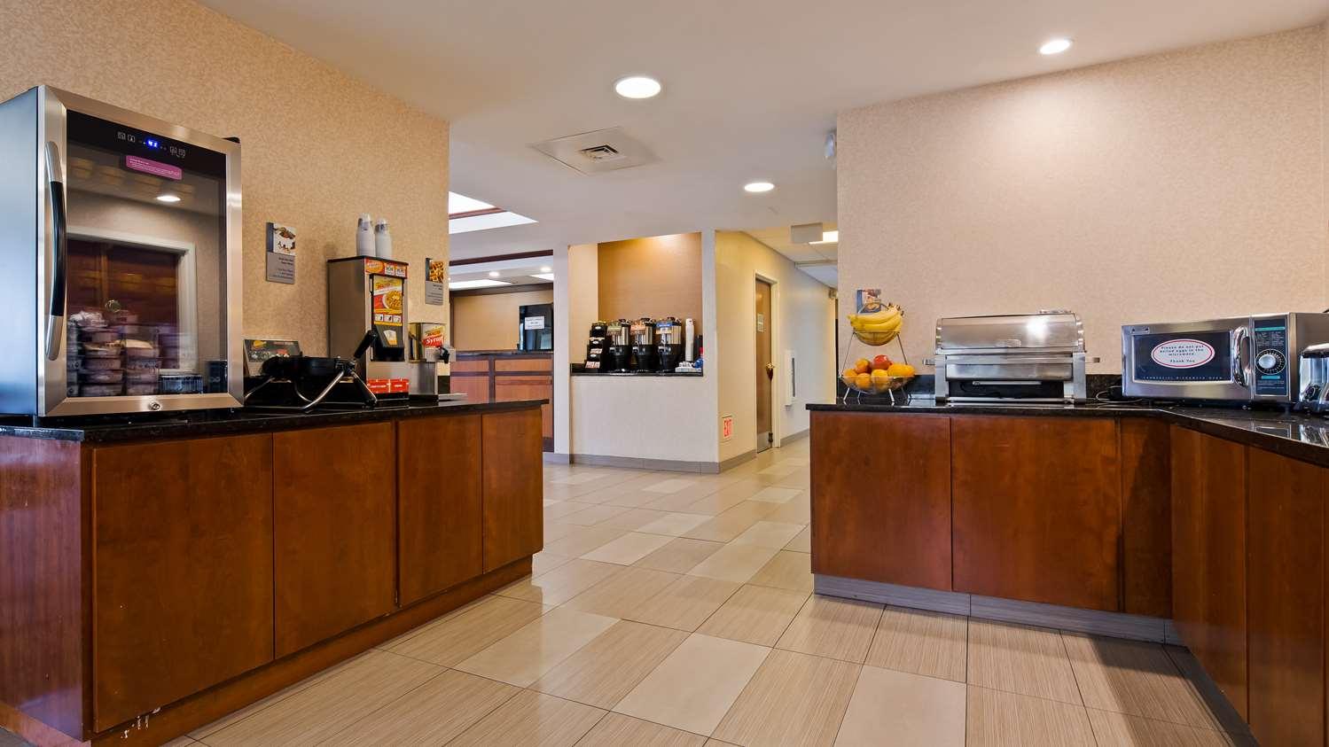 Restaurant - Best Western Plus Louisville Inn & Suites