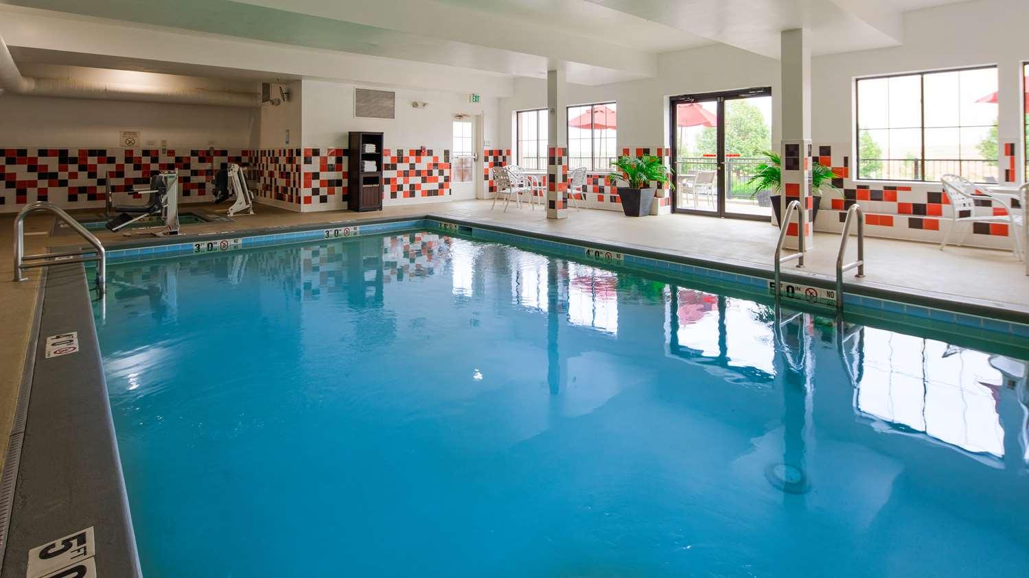 Pool - Best Western Plus International Airport Inn & Suites Denver