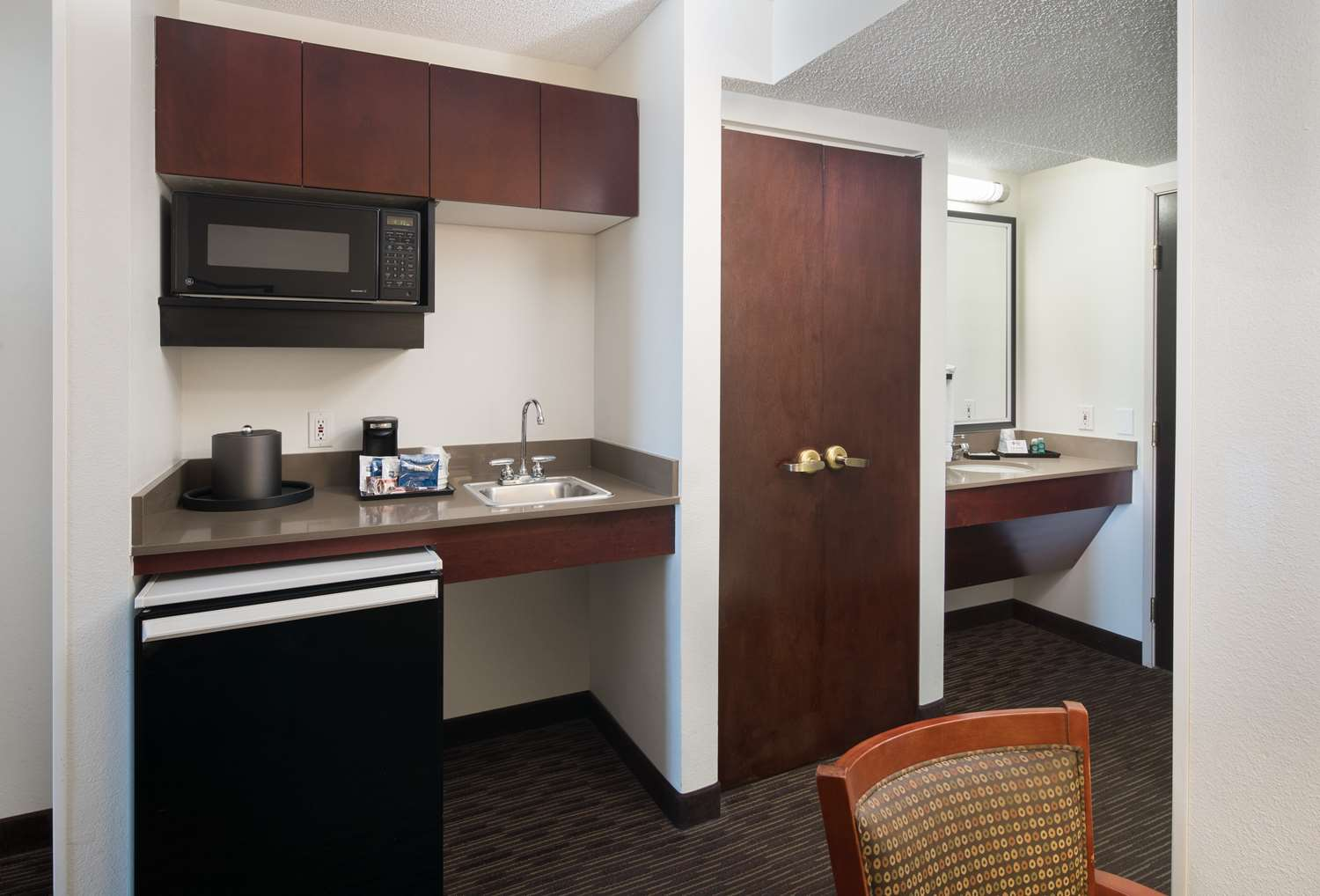 Room - Best Western Plus International Airport Inn & Suites Denver