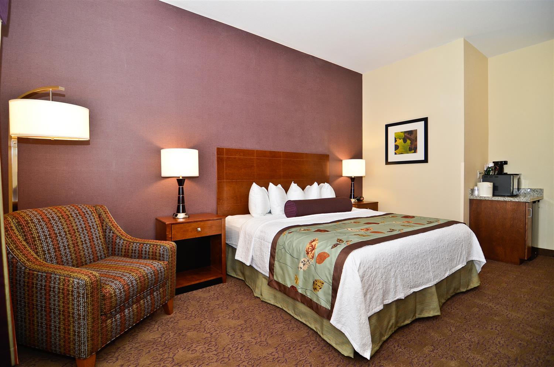 Room - Best Western Plus Carousel Inn Burlington