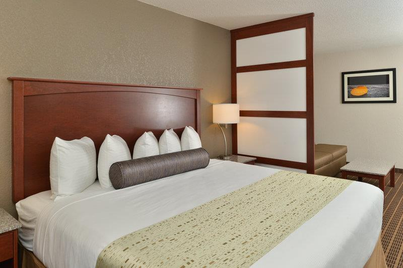 Suite - Best Western Plus Peak Vista Hotel Colorado Springs