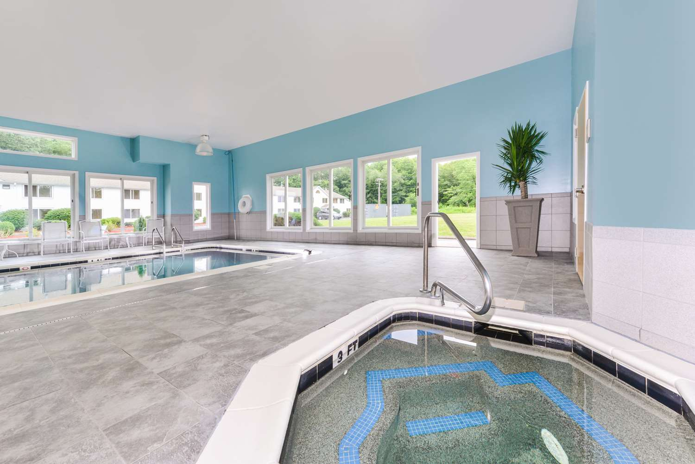 Pool - Best Western Regent Inn Mansfield Center