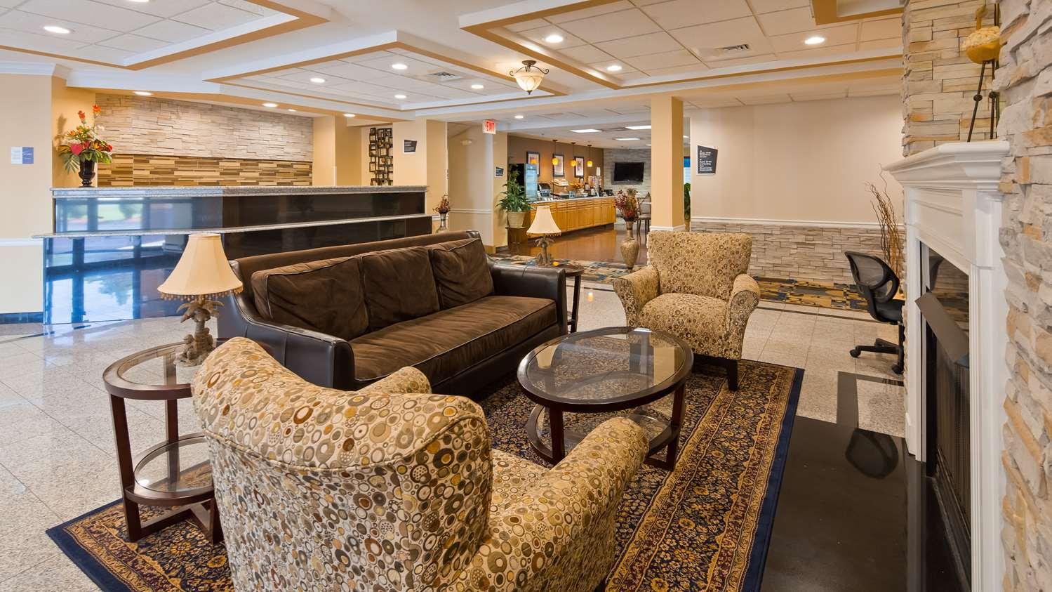 Lobby Best Western Plus New England Inn Suites Berlin