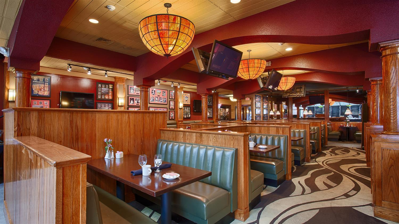 Restaurant - Best Western Plus North Haven Hotel