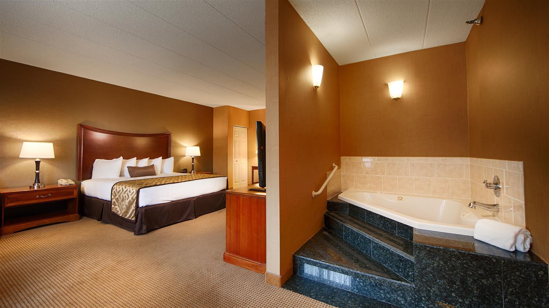 Suite - Best Western Plus North Haven Hotel