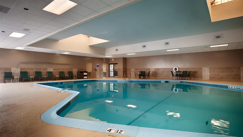 Pool - Best Western Plus North Haven Hotel