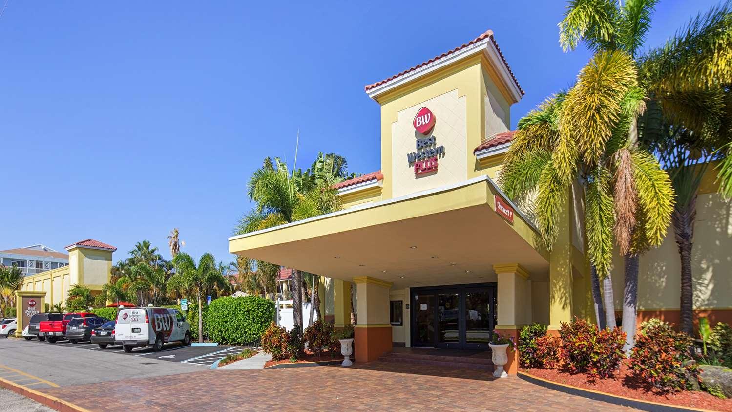 Exterior view - Best Western Plus University Inn Boca Raton