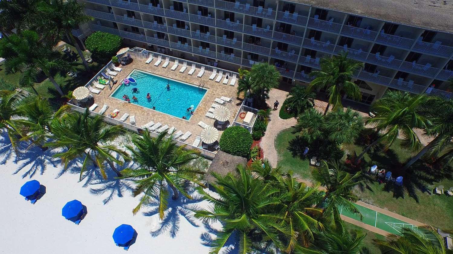 Pool - Best Western Plus Beach Resort Fort Myers Beach