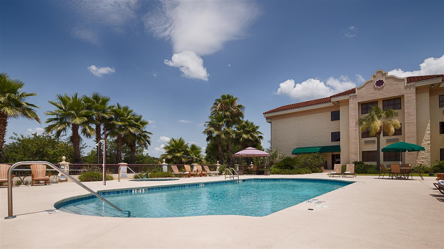 Pool Best Western Gateway Grand Hotel Gainesville