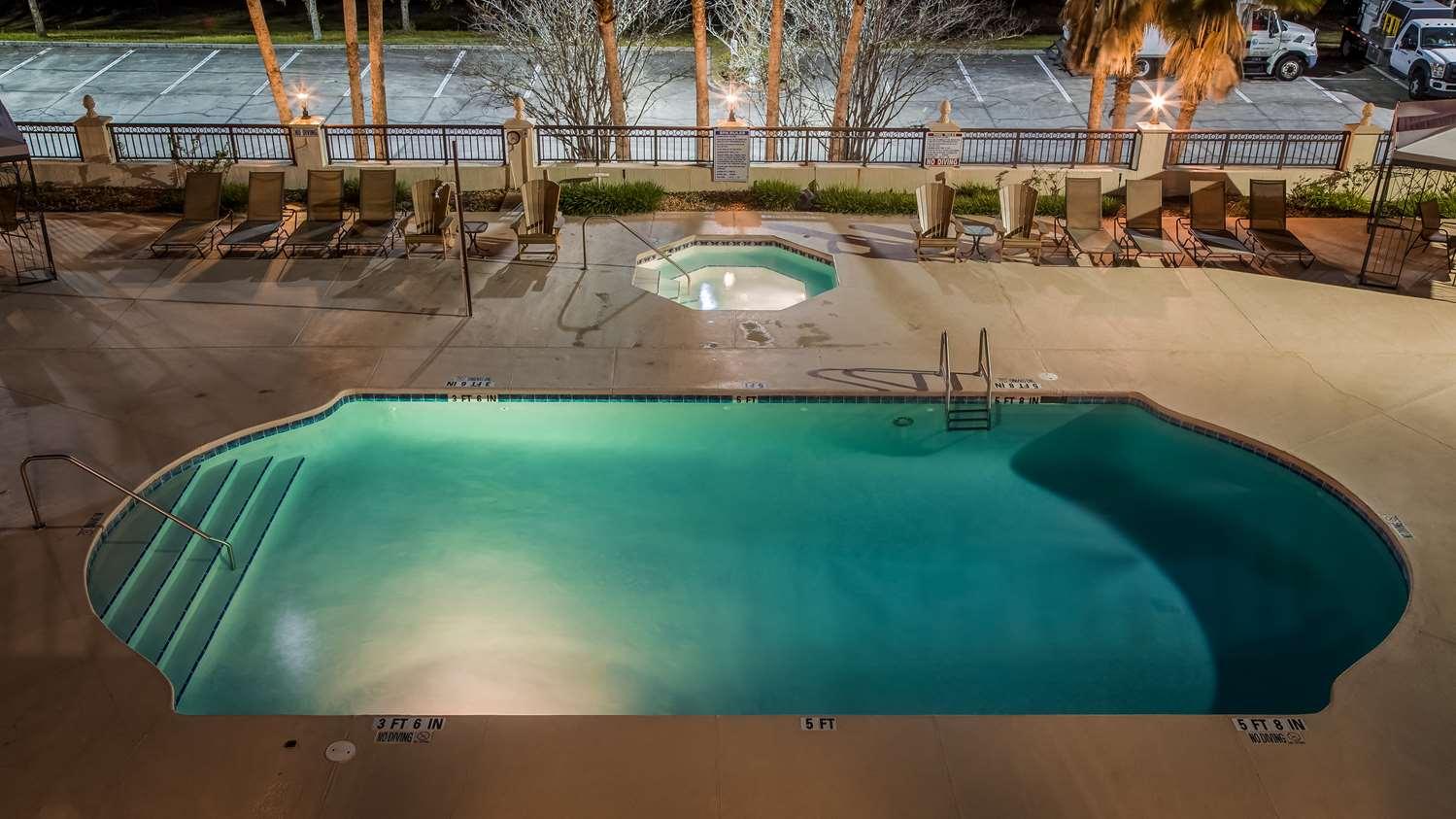 Pool - Best Western Gateway Grand Hotel Gainesville