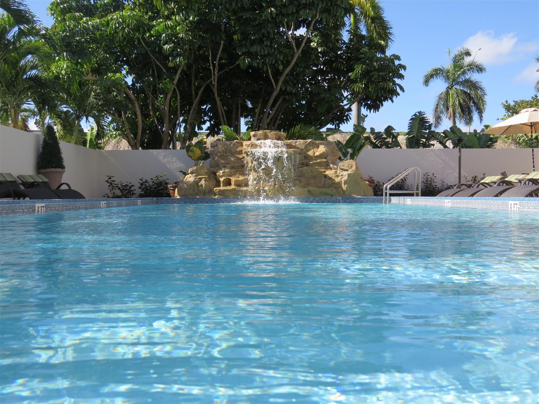 Pool - Best Western Plus Hotel Hallandale Beach