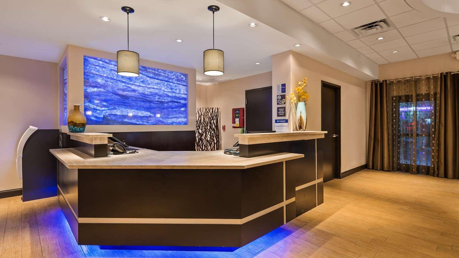 Lobby - Best Western Plus Hotel Hallandale Beach