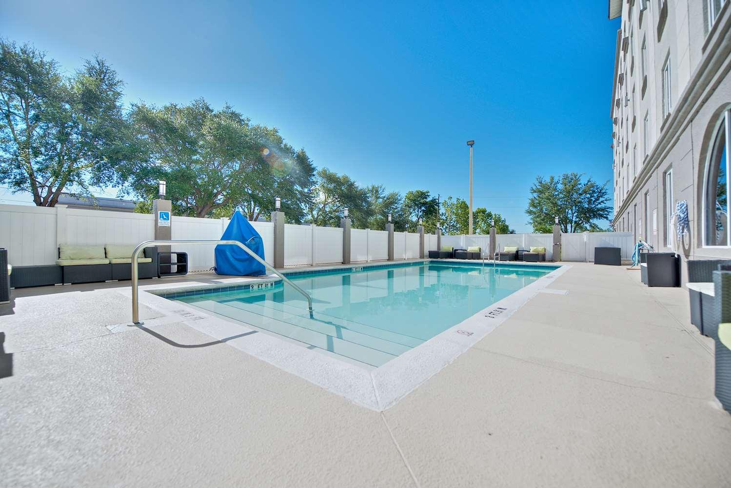 Pool - Best Western Orlando Airport Inn & Suites