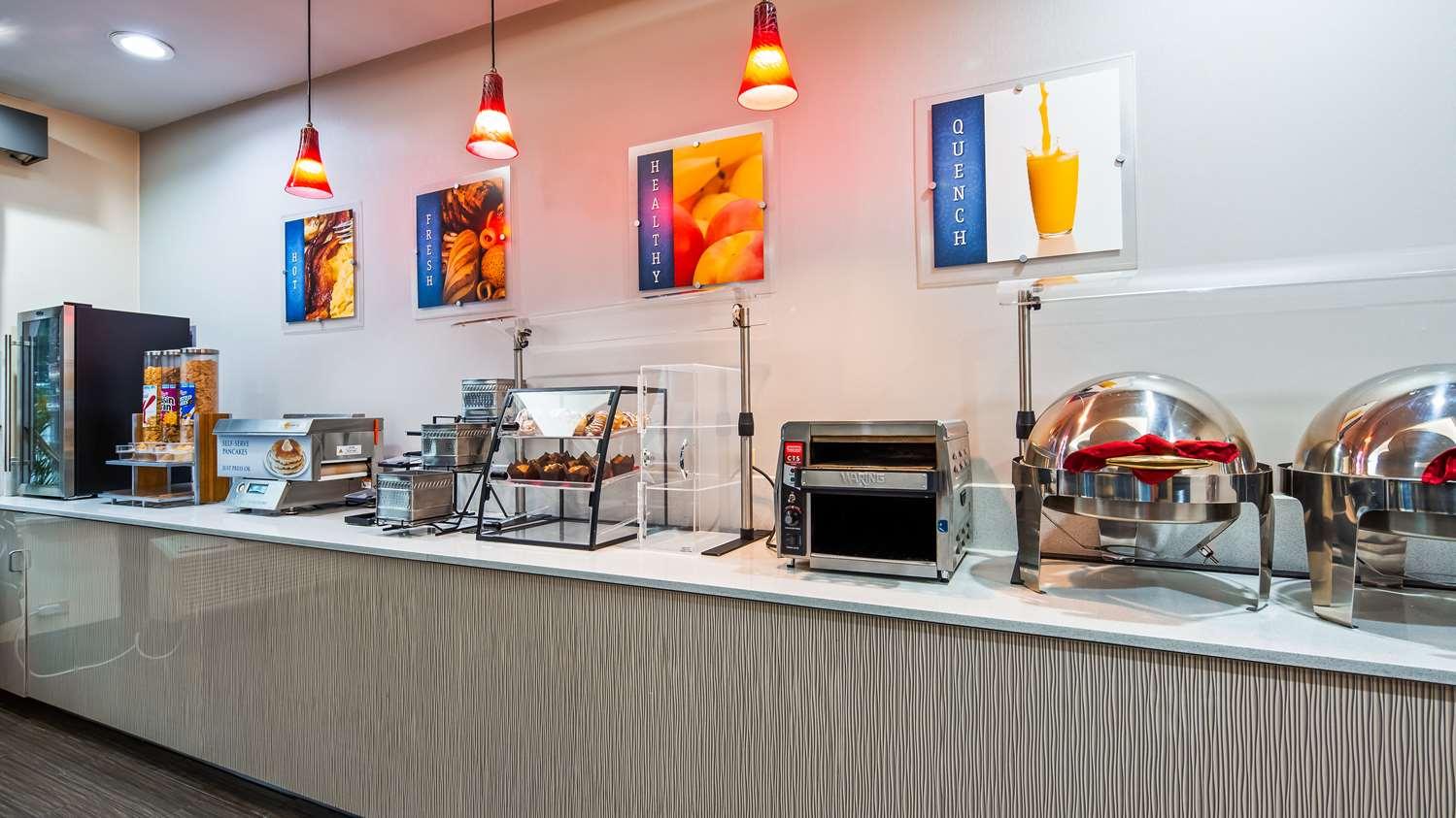 Restaurant - Best Western Orlando Airport Inn & Suites