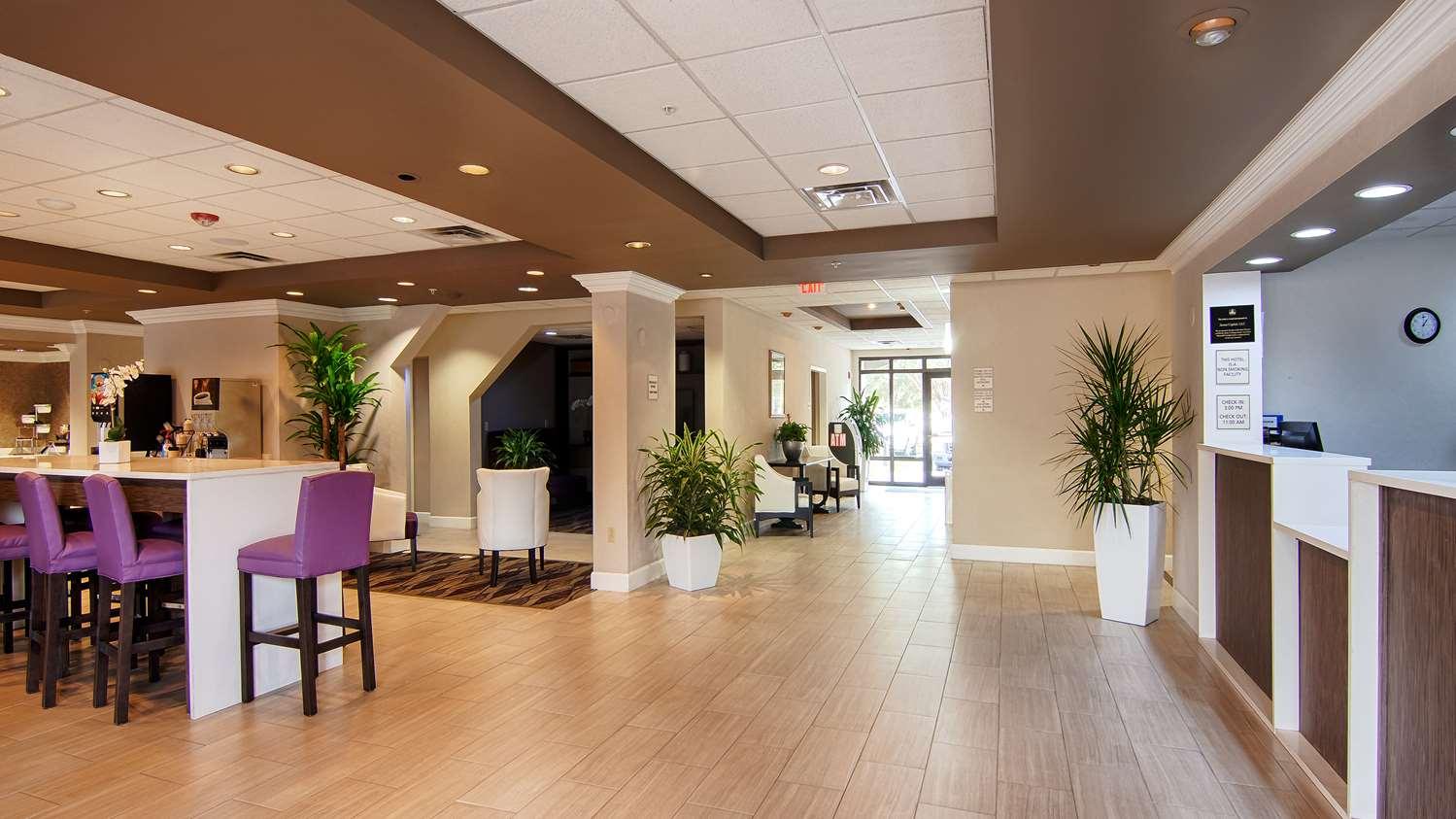 Lobby - Best Western Airport Inn Fort Myers