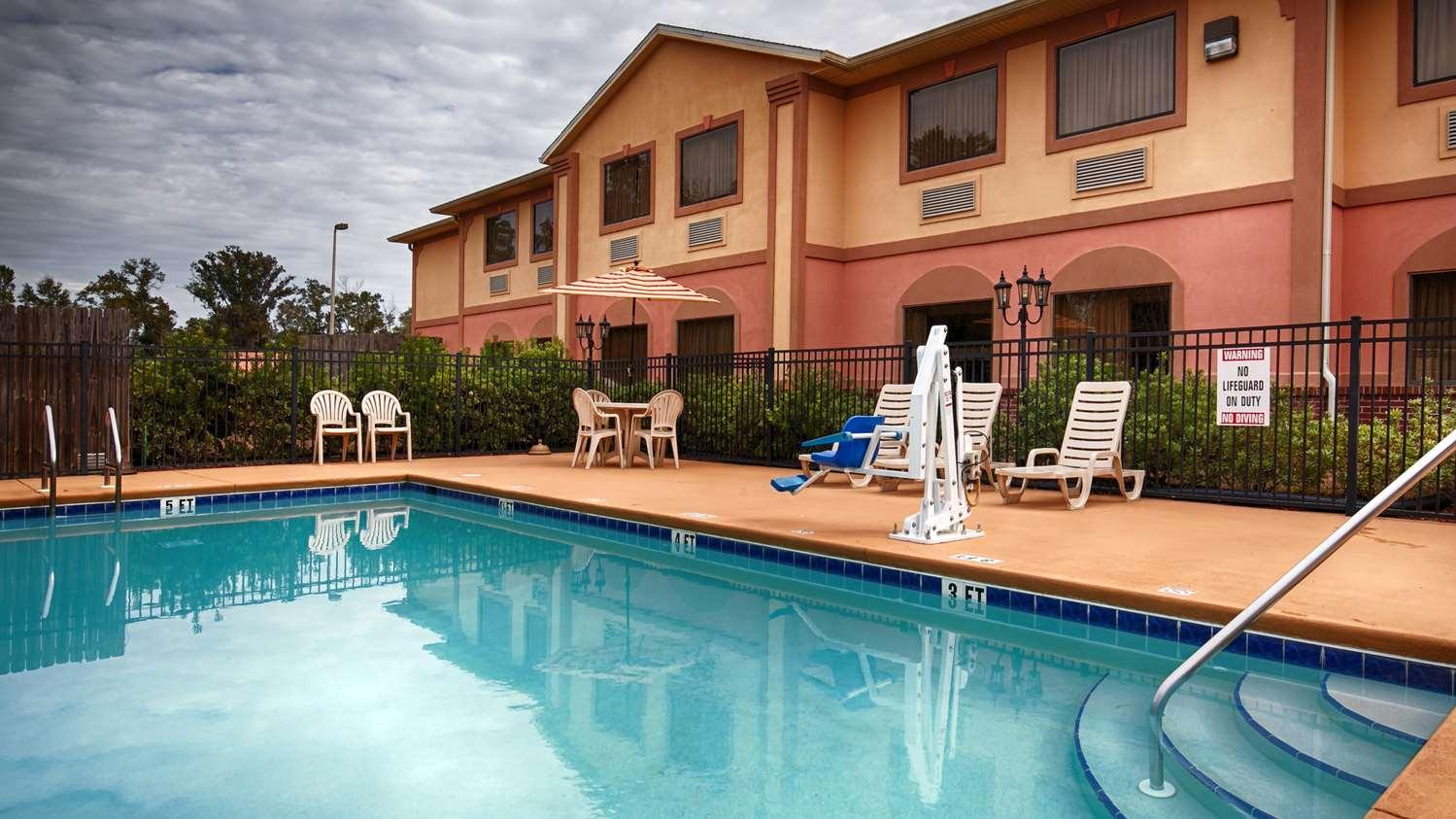 Pool - Best Western Wakulla Inn & Suites Crawfordville