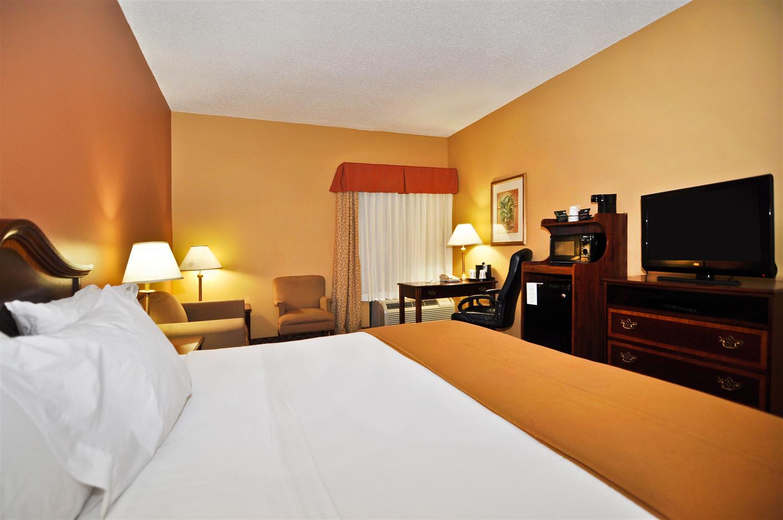Room - Best Western Plus Madison Inn