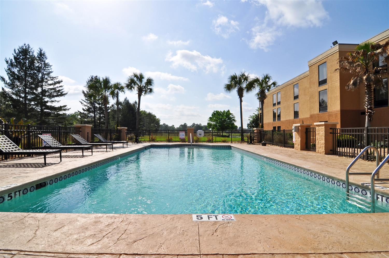 Pool - Best Western Plus Madison Inn