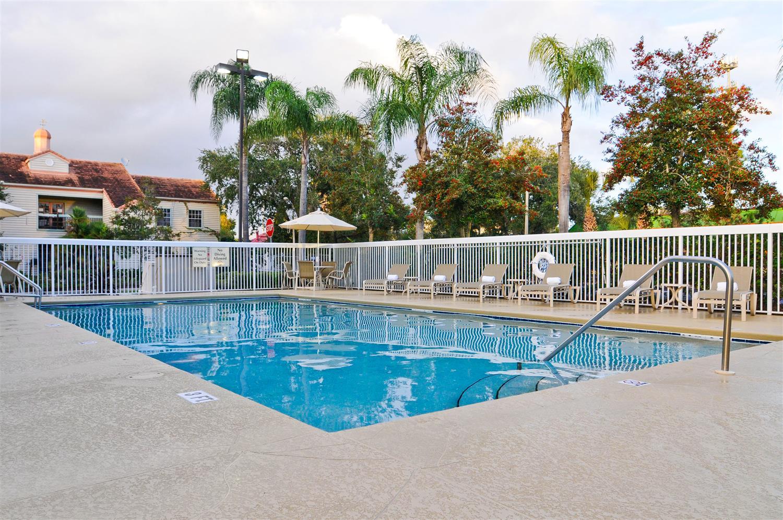Pool - Best Western Orlando Convention Center Hotel