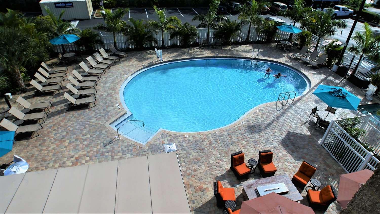 Pool Best Western Plus Siesta Key Gateway Hotel Sarasota