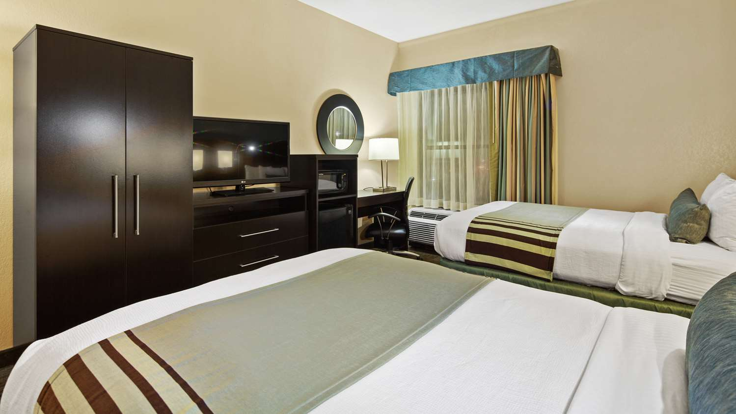 Room - Best Western Plus Hotel Tallahassee