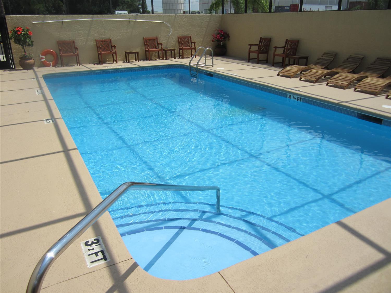 Pool - Best Western Mulberry Hotel