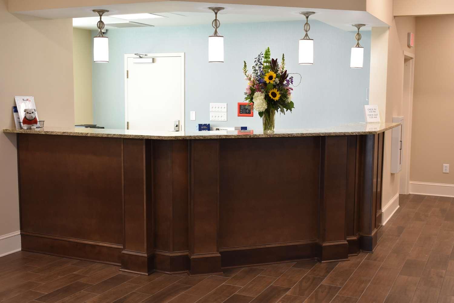 Lobby - Best Western Athens Inn