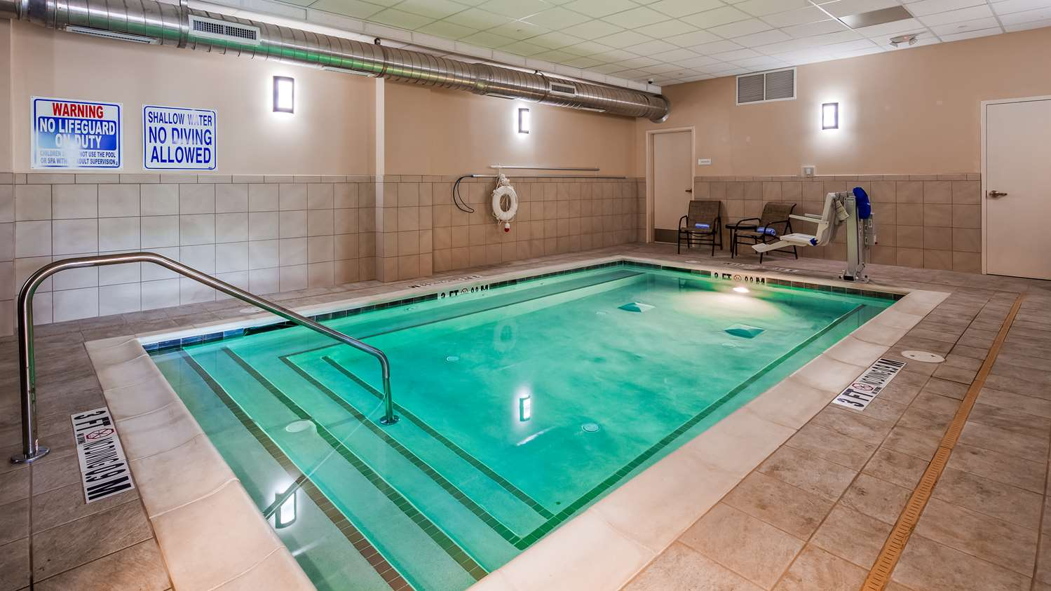 Pool - Best Western Athens Inn