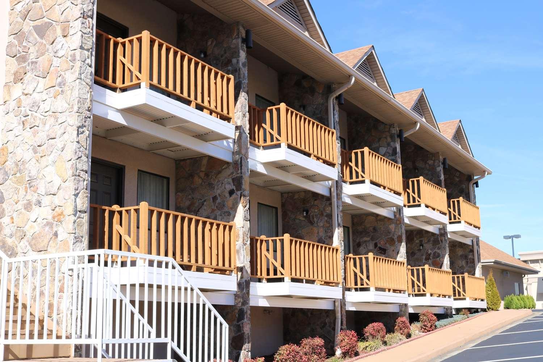 Pool Best Western Motel Blairsville