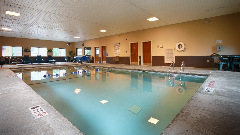 Pool - Best Western Macon Inn & Suites