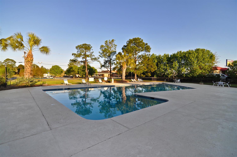 Pool - Best Western Colonial Inn Cordele