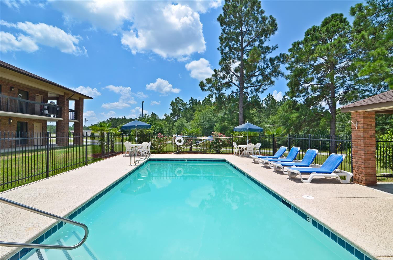 Pool - Best Western Bradford Inn Swainsboro