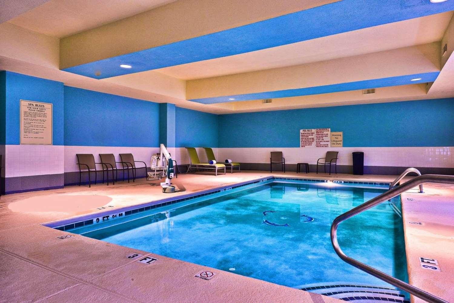 Pool - Best Western Plus Savannah Airport Inn & Suites Pooler