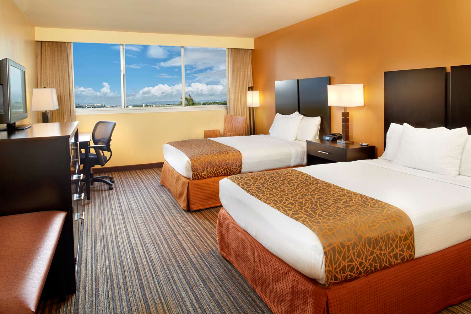 Room - Best Western Plaza Hotel Honolulu