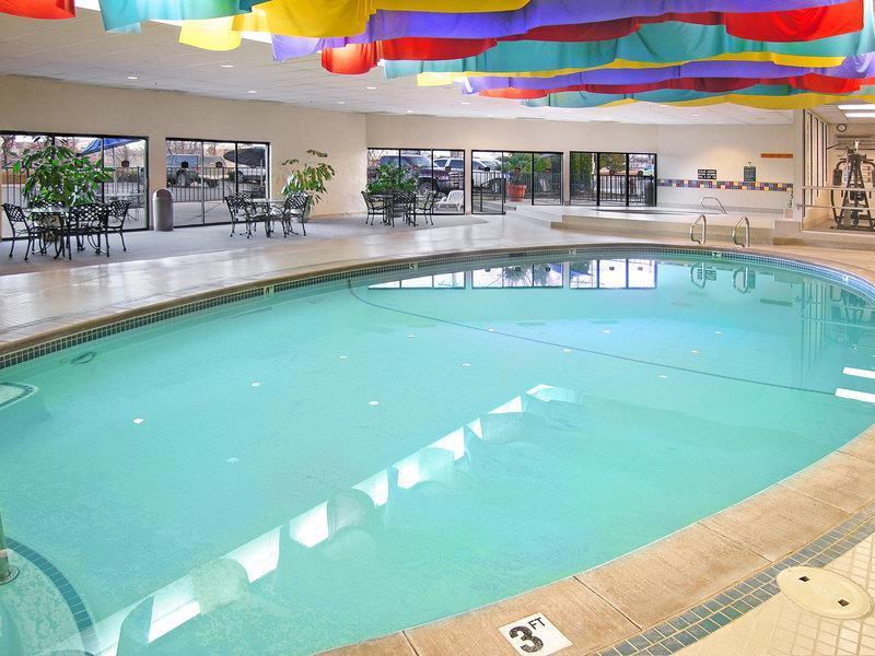 Pool Best Western Vista Inn At Boise Airport