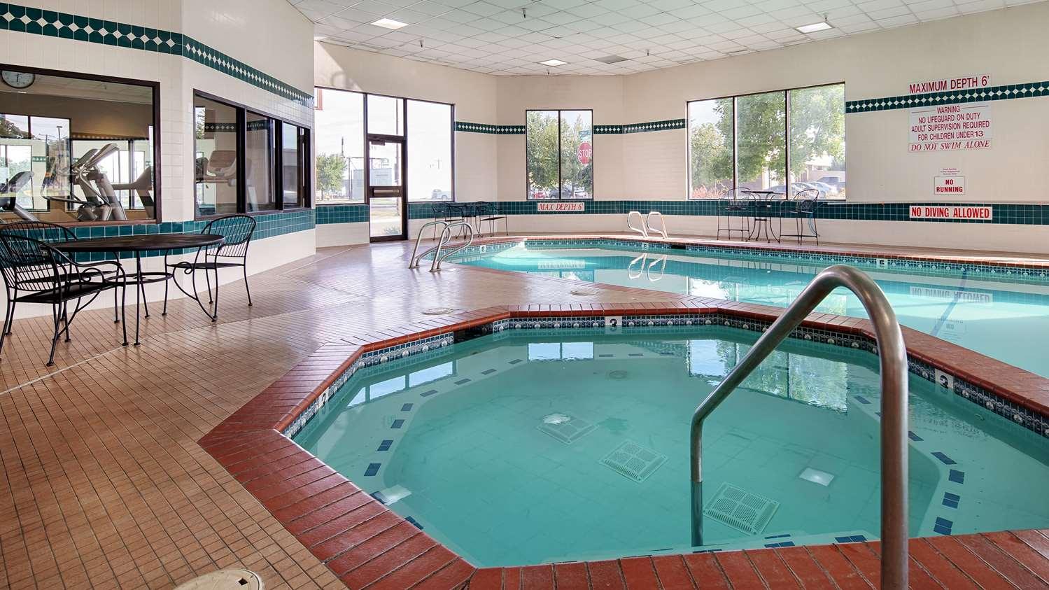 Pool - Best Western Plus Cottontree Inn Idaho Falls