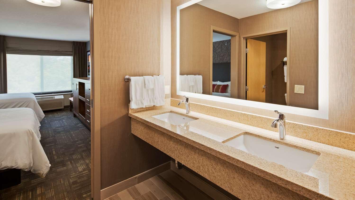 Room - Best Western Plus Cottontree Inn Idaho Falls