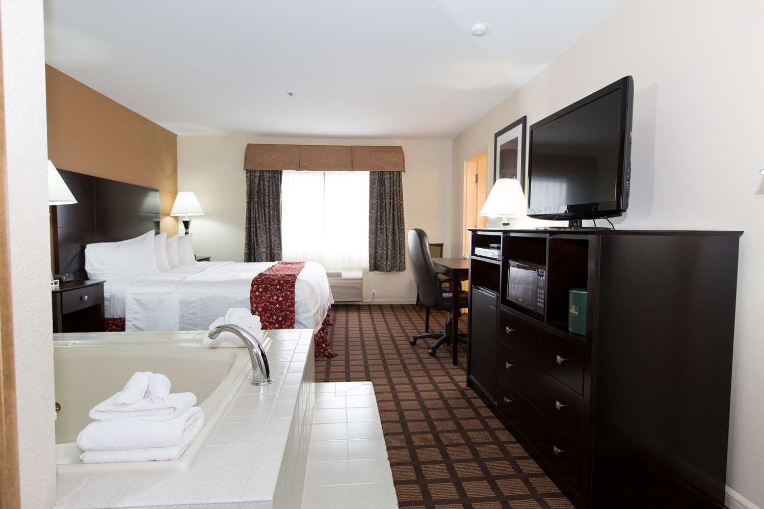 Suite - Best Western Plus Oakbrook Inn Westmont