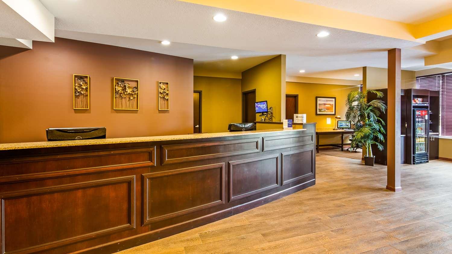 Lobby - Best Western Paradise Inn Savoy