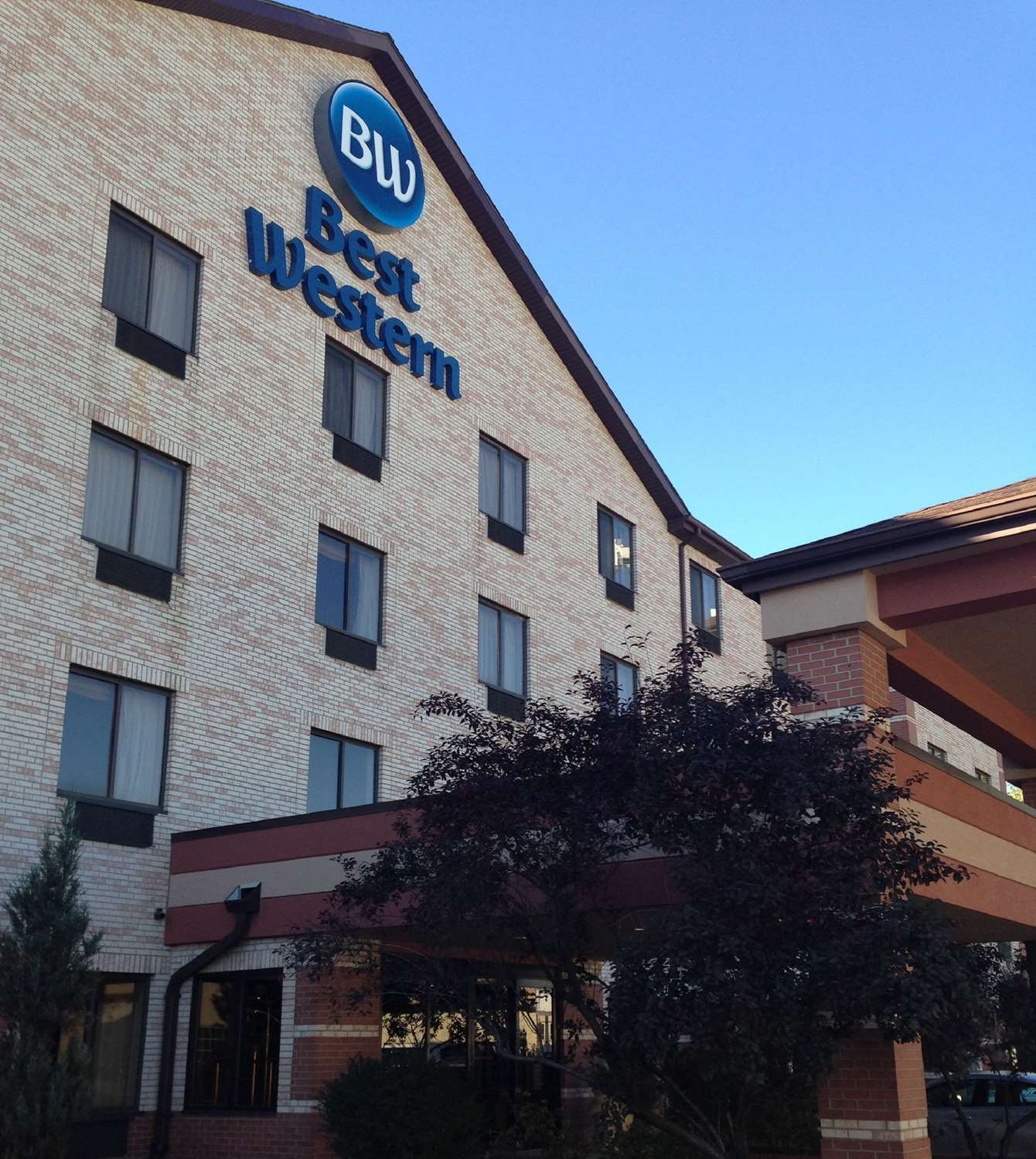 Exterior view - Best Western Inn & Suites Midway Airport Burbank