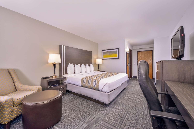 Room - Best Western Naperville Inn