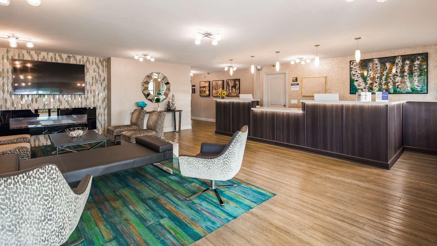 Lobby - Best Western Naperville Inn