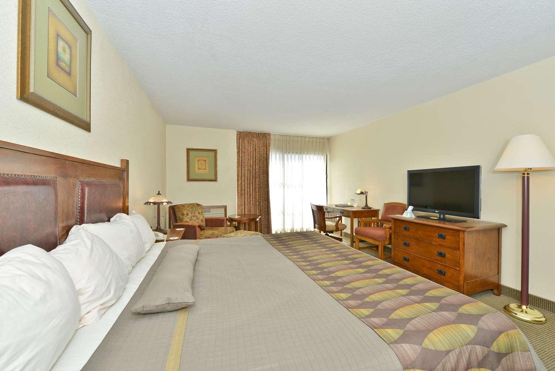 Pet Friendly Hotels Galesburg Il