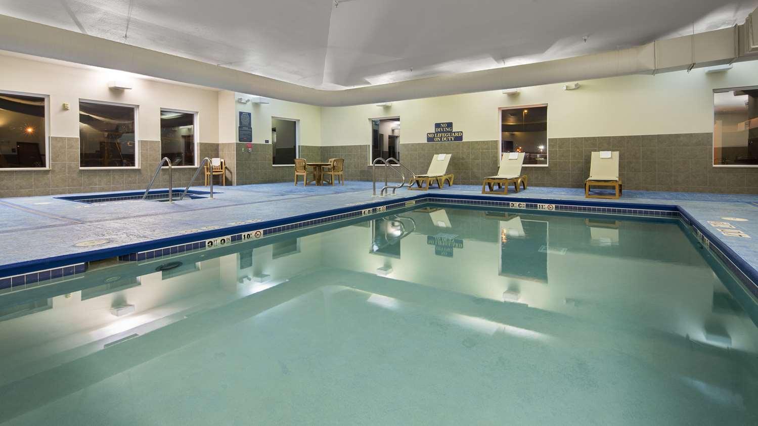 Pool - Best Western Legacy Inn & Suites South Beloit