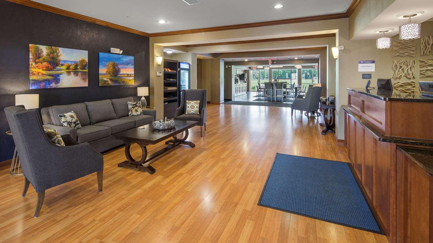 Lobby - Best Western Legacy Inn & Suites South Beloit
