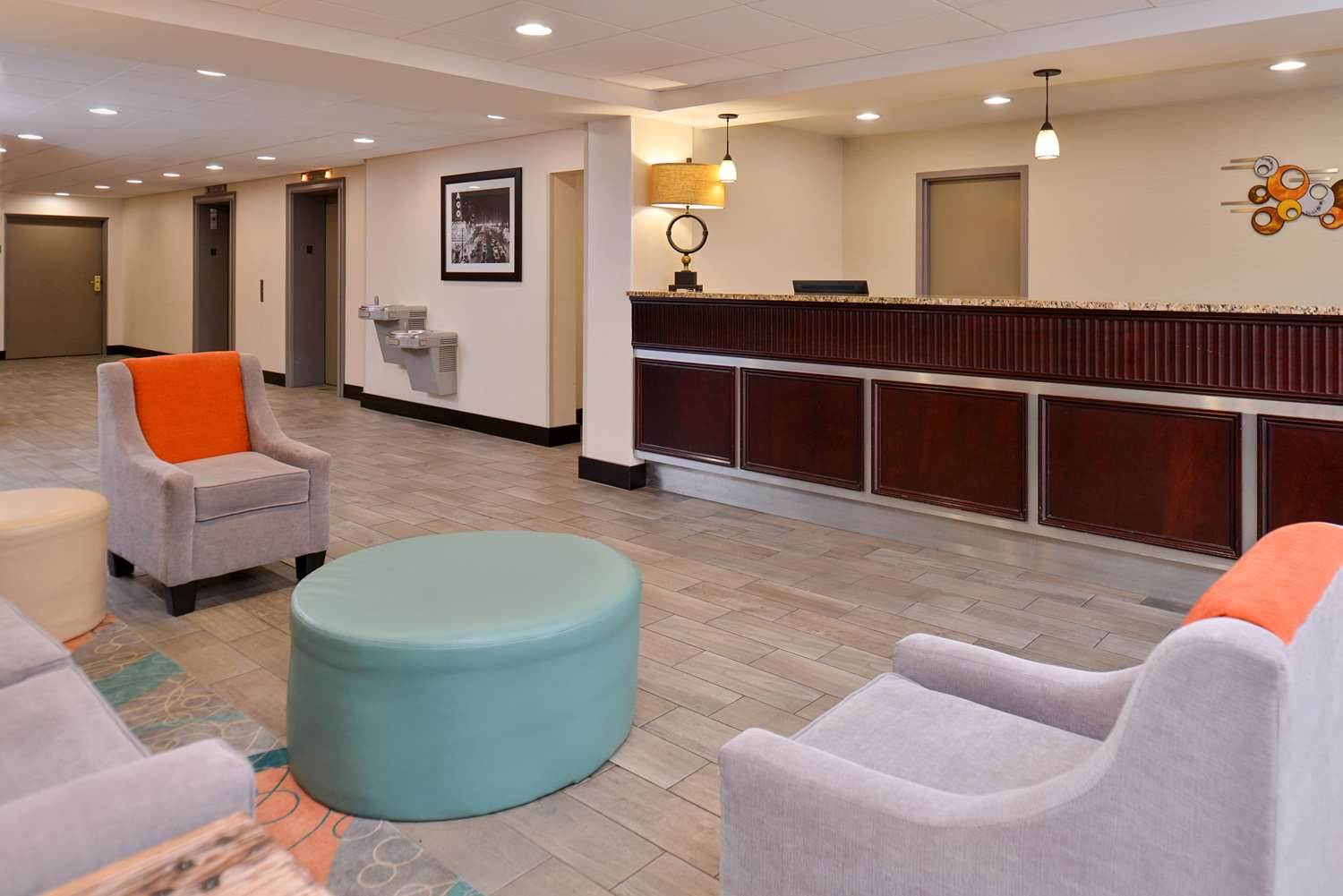 Lobby - Best Western Plus Chicagoland Countryside Hotel