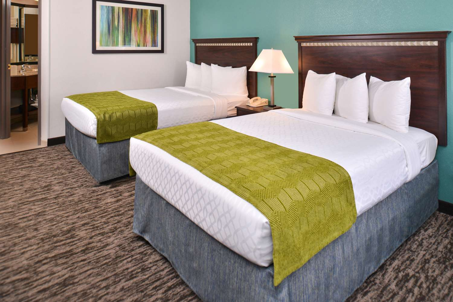 Room - Best Western Plus Chicagoland Countryside Hotel