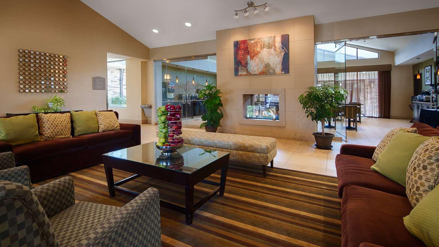 Lobby - Best Western Plus Antioch Hotel & Suites