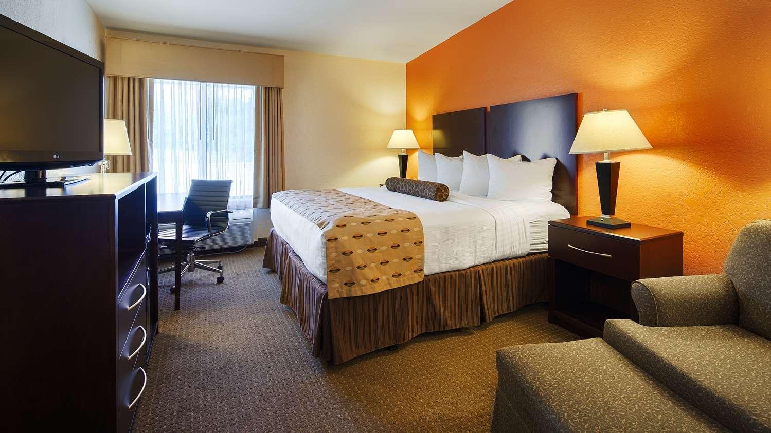 Room - Best Western Plus Antioch Hotel & Suites