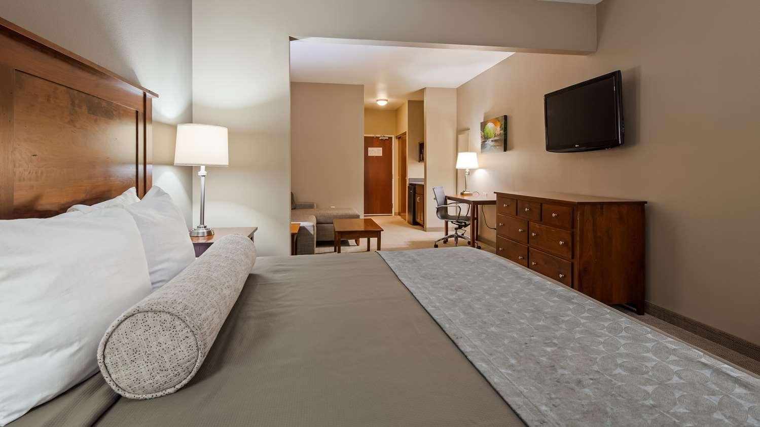Room - Best Western Plus Green Mill Village Inn Arcola